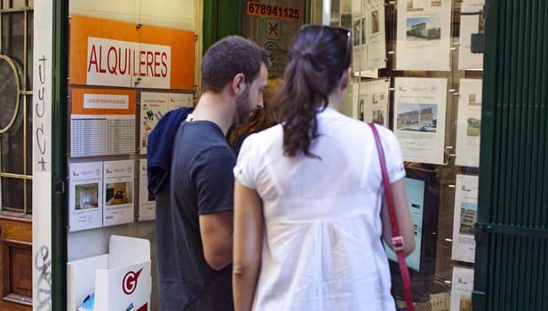 Los jóvenes de Gipuzkoa necesitan duplicar su sueldo para comprar una vivienda libre en solitario